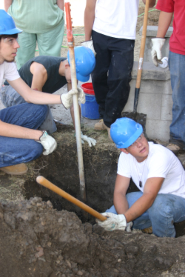 JOIN Winnemucca - Young adult work crew digs out a small trench